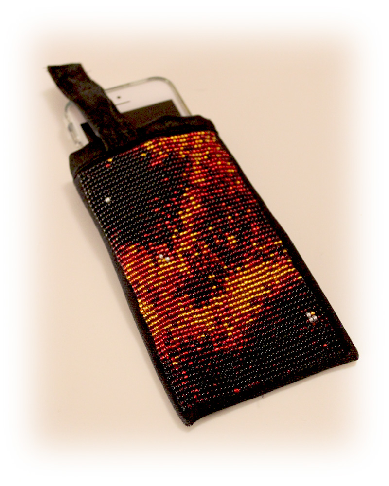 An iPhone pouch made by bead weaving