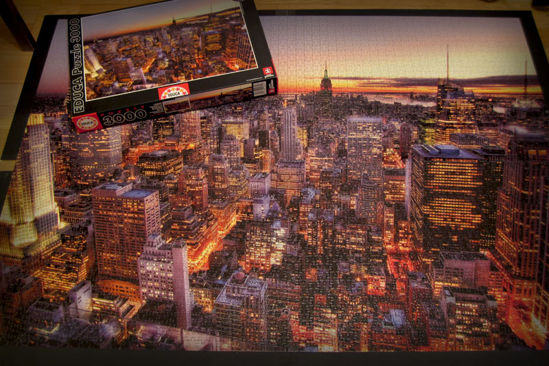 The 3000 piece jigsaw puzzle of Manhattan skyline
